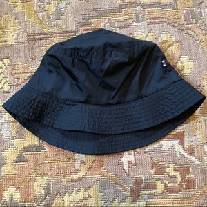 Burberry Girls Black Bucket hat